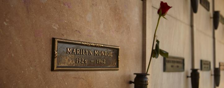 gravesite+marilyn+monroe -