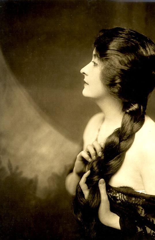 Clara Young 2 -