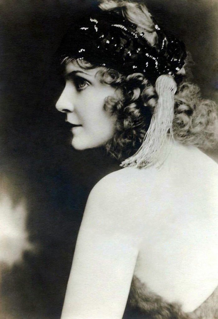May Allison 1920s - by Evans -