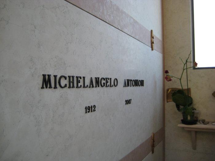 Michael 4 -