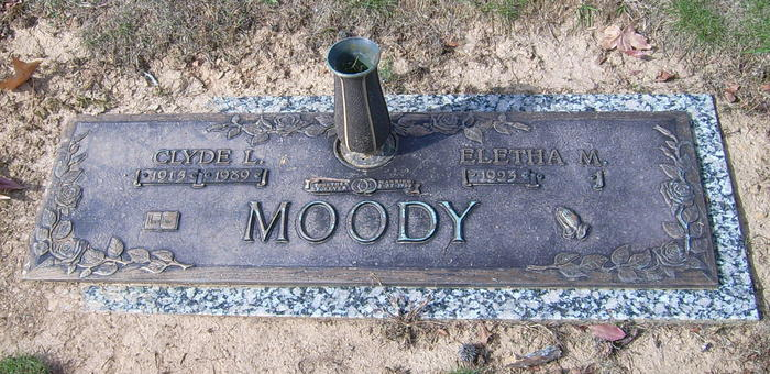 Clyde Moody grave -