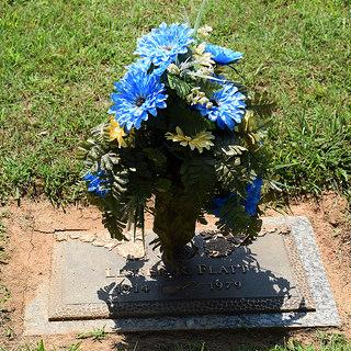 Flatt grave -