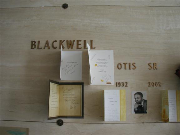 Otis grave -