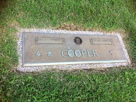 Stoney Cooper grave -