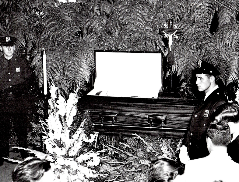 babe-ruth-funeral-with-security-guard -