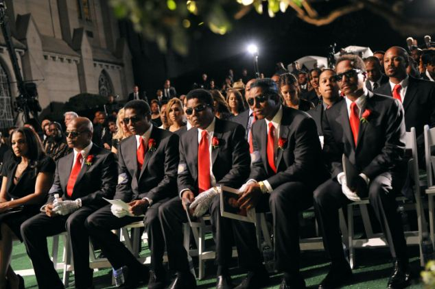 Janet Jackson, Randy Jackson, Jackie Jackson, Tito Jackson, Jermaine Jackson and Marlon Jackson attend Michael Jackson's funeral service held at Glendale Forest Lawn Memorial Park  in Glendale - (L-R) Janet Jackson, Randy Jackson, Jackie Jackson, Tito Jackson, Jermaine Jackson and Marlon Jackson attend Michael Jackson's funeral service held at Glendale Forest Lawn Memorial Park in Glendale, California September 3, 2009. Jackson, 50, the king of pop, died at UCLA Medical Center after going into cardiac arrest at his rented home on June 25, 2009 in Los Angeles, California.   REUTERS/Harrison Funk/The Jackson Family/Handout (UNITED STATES ENTERTAINMENT OBITUARY IMAGES OF THE DAY) NO SALES. NO ARCHIVES. FOR EDITORIAL USE ONLY. NOT FOR SALE FOR MARKETING OR ADVERTISING CAMPAIGNS