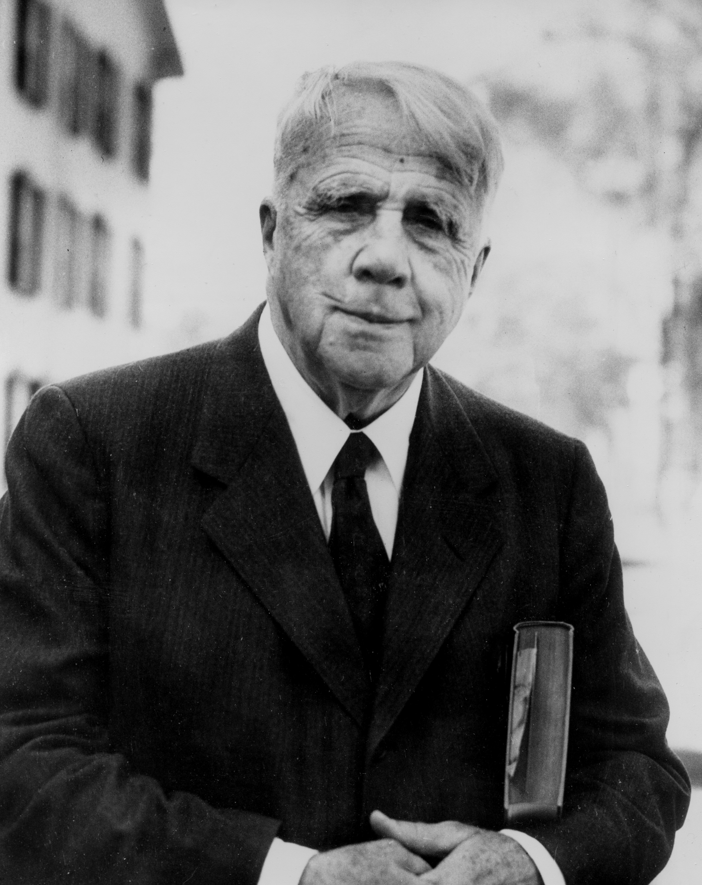 Frost - American poet Robert Frost is shown June 15, 1955 at an unknown location.  (AP Photo)