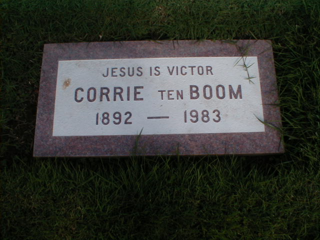the horrors of the second world war in corrie ten booms the hiding place Analysis and discussion of characters in corrie ten boom's the hiding place the hiding place characters corrie ten boom the years before the second world war.