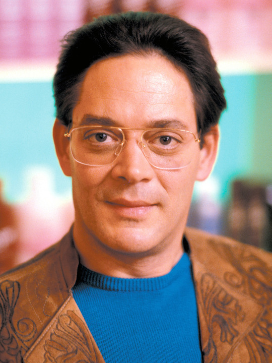 The Morning After (1986) Directed by Sidney LumetShown: Raul Julia -