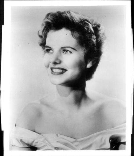 Patricia-Cutts-20-July-1926-6-September-1974-celebrities-who-died-young-32294901-454-527 -