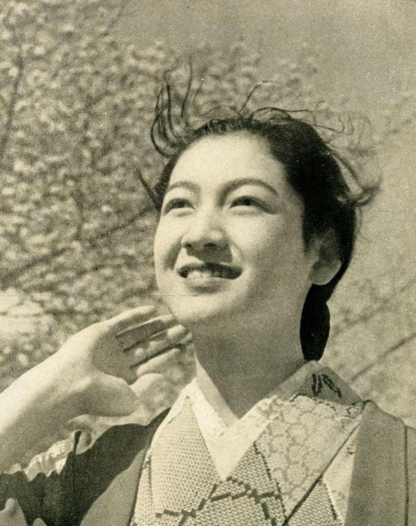 Setsuko_Hara_in_1938 -