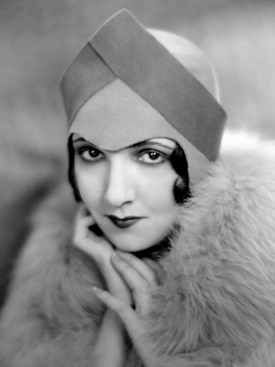 Carmelita Geraghty (circa 1920s) -