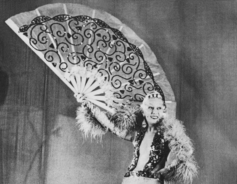 The italian  Diva WANDA OSIRIS ( 1905 - 1994 ) -