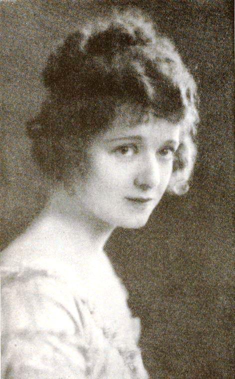 Vivian_Martin_1_-_Sep_1921_Photoplay -