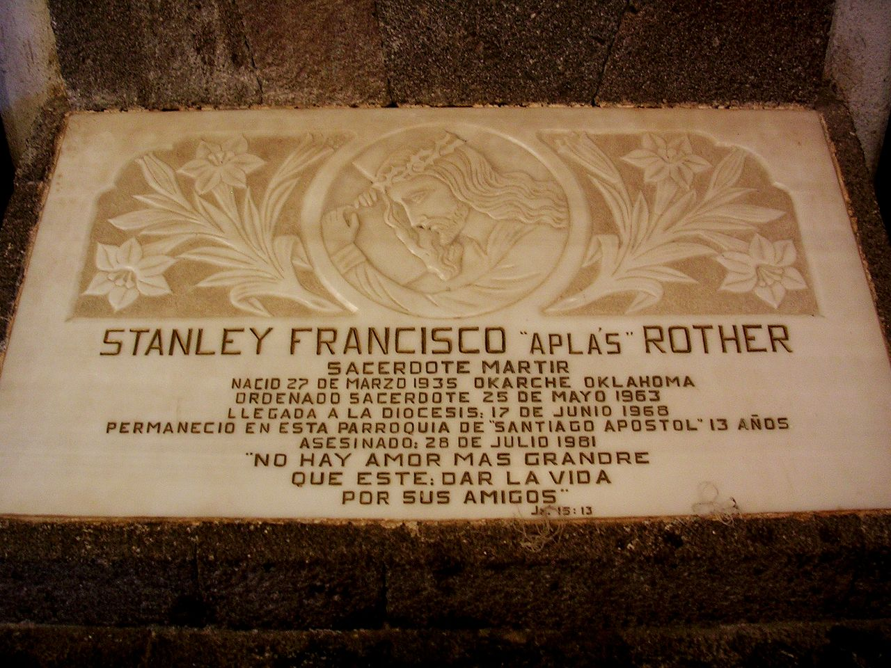 1280px-Stanley_rother_memorial -