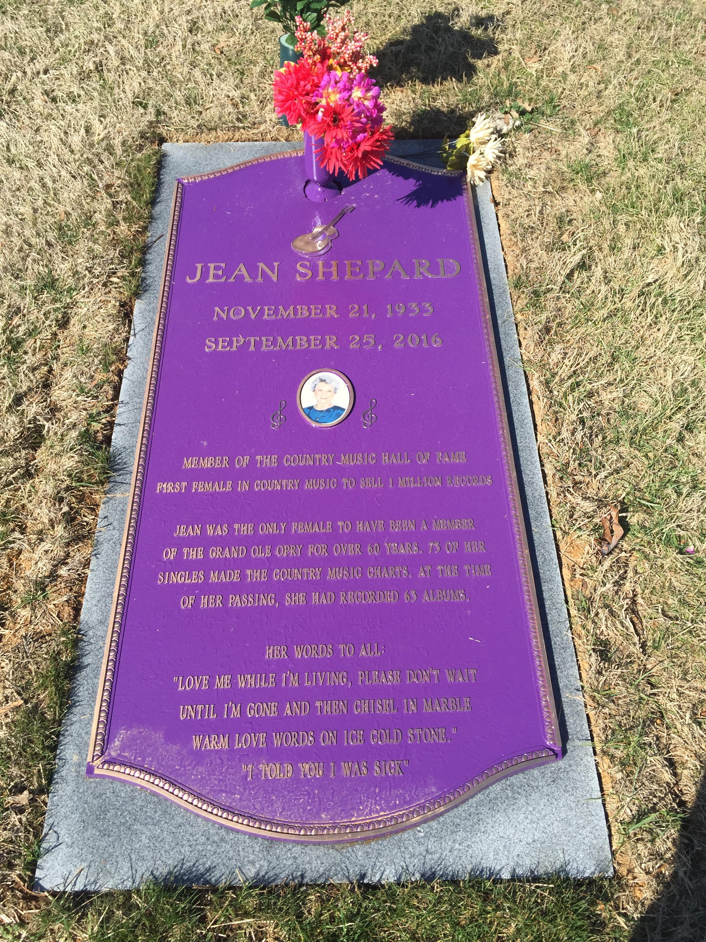 Jean Shepard grave -