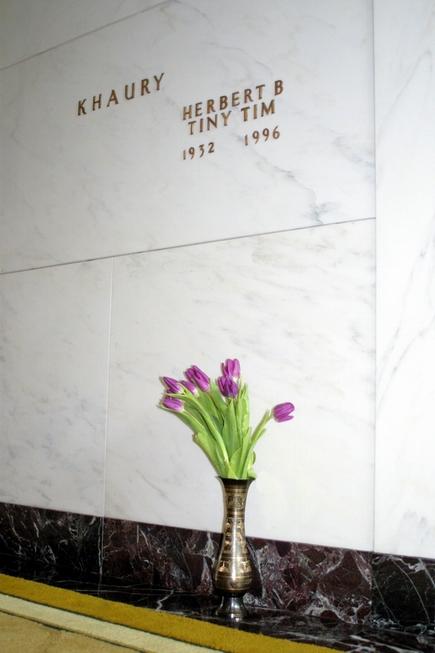 tt-grave -