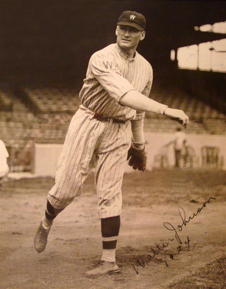19234-walter-johnson-signed-photo-3 -