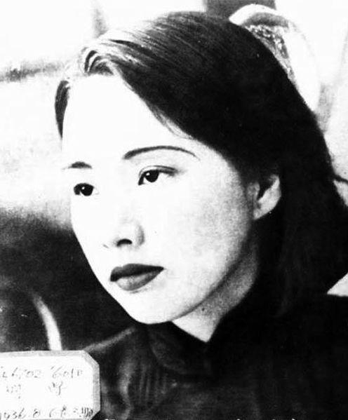 496px-Jiang_Qing_1930s -