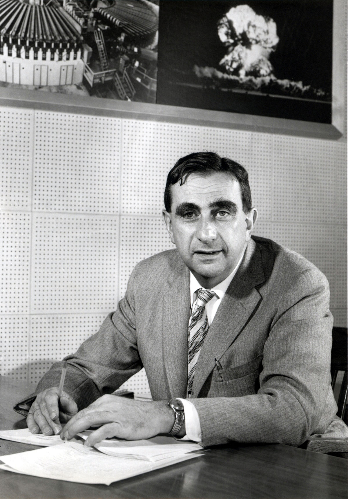 1200px-EdwardTeller1958_fewer_smudges -