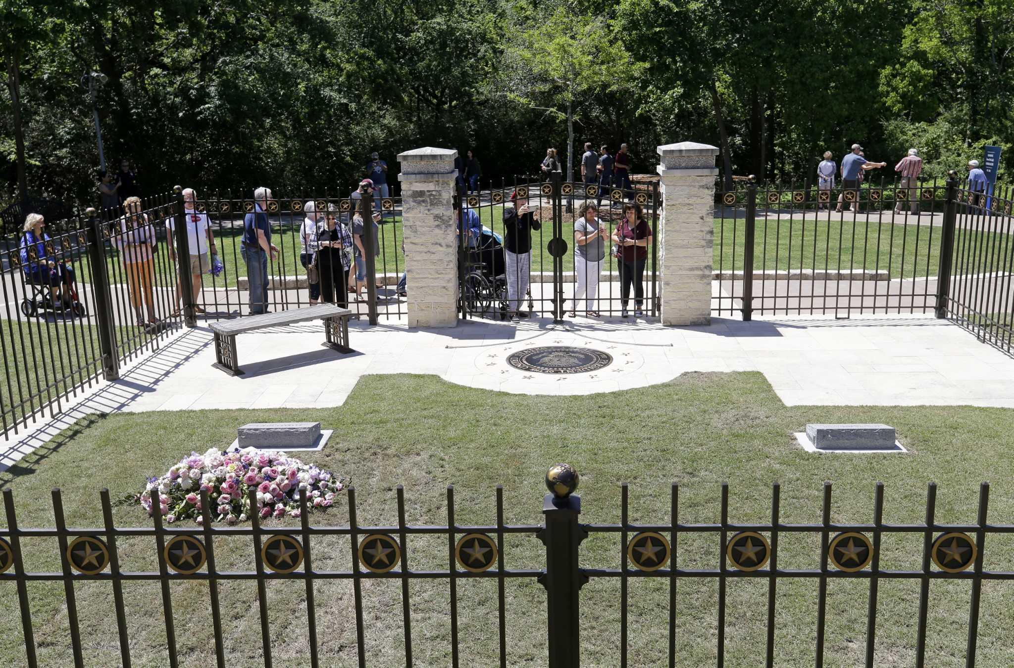 Bush gravesite -