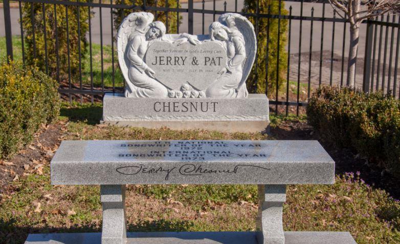 Chesnut grave -