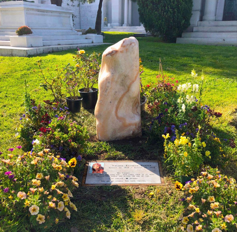 VH grave -